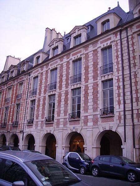 Photo du Monument Historique Hôtel Genou de Guiberville situé à Paris 4e Arrondissement
