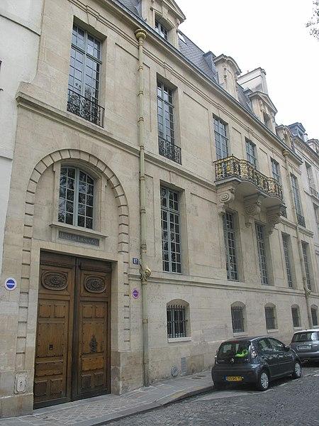Photo du Monument Historique Hôtel de Lauzun ou Hôtel de Pimodan situé à Paris 4e Arrondissement