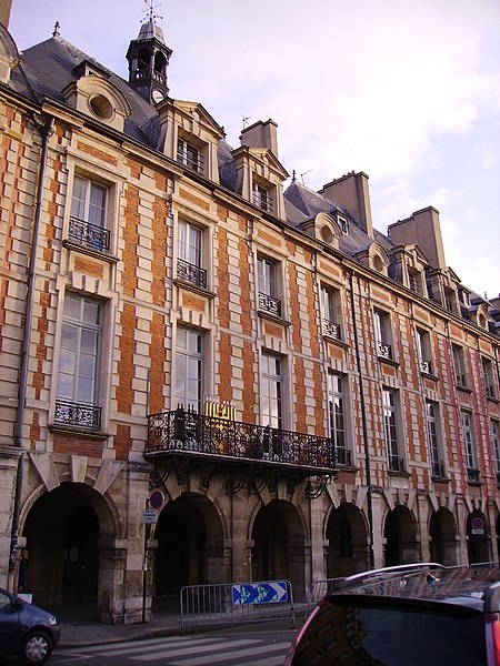Photo du Monument Historique Hôtel de Ribault ou de Langres  (voir aussi : Synagogue, 21 rue des Tournelles) situé à Paris 4e Arrondissement