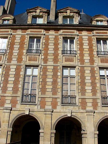 Photo du Monument Historique Immeuble dit aussi hôtel de Chabannes ou de Flers situé à Paris 4e Arrondissement