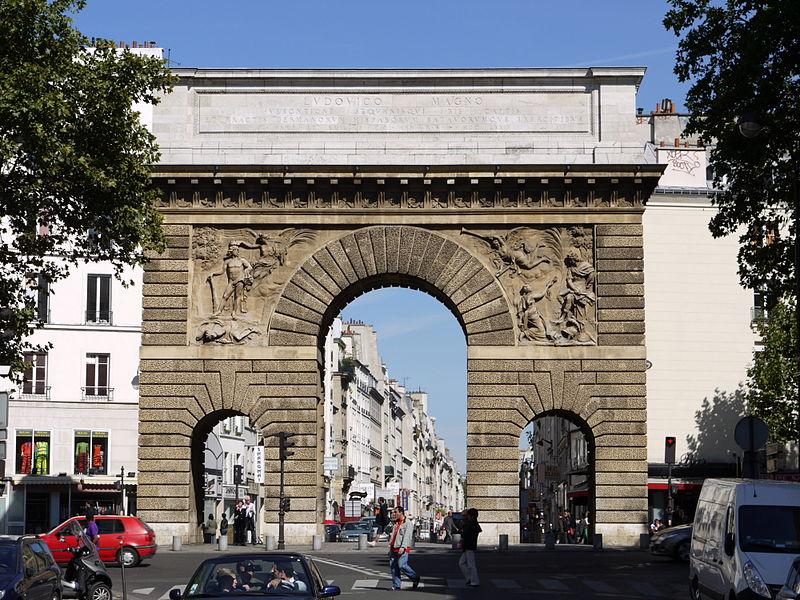 Photo du Monument Historique Porte Saint-Martin situé à Paris 10e Arrondissement