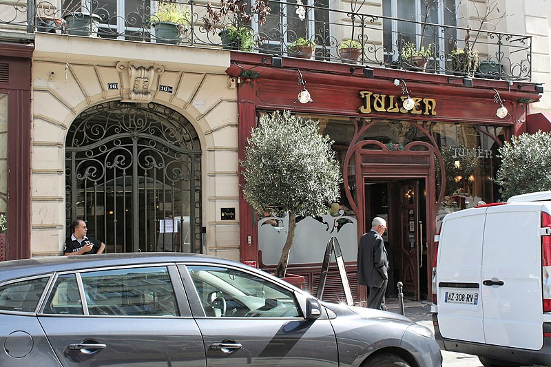 Photo du Monument Historique Immeuble abritant le restaurant Julien situé à Paris 10e Arrondissement