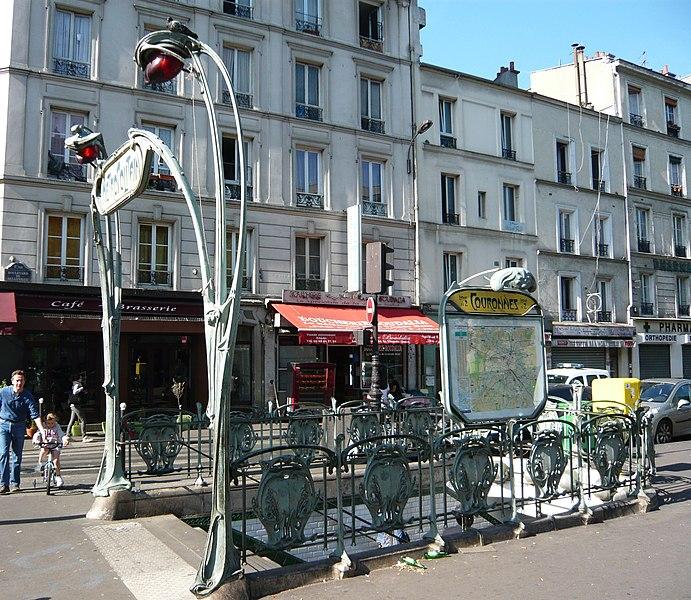 Photo du Monument Historique Métropolitain, station Couronnes situé à Paris 11e Arrondissement