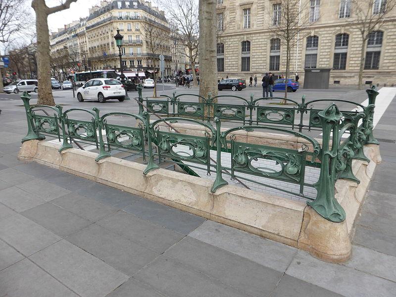 Photo du Monument Historique Métropolitain, station République situé à Paris 11e Arrondissement