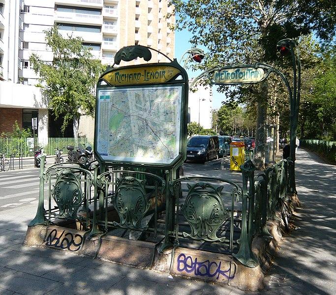 Photo du Monument Historique Métropolitain, station Richard-Lenoir situé à Paris 11e Arrondissement