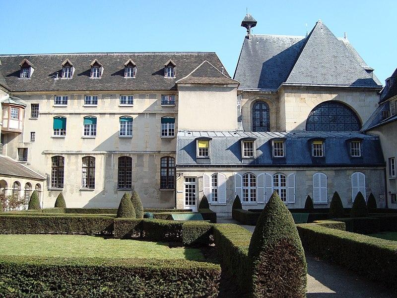 Photo du Monument Historique Ancienne abbaye de Port-Royal, actuel Hôpital Cochin situé à Paris 14e Arrondissement