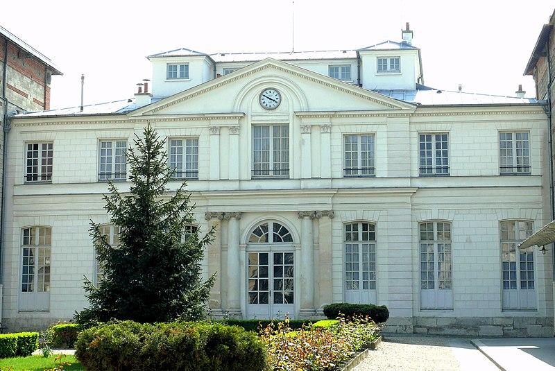 Photo du Monument Historique Ecole Jean-Baptiste Say situé à Paris 16e Arrondissement