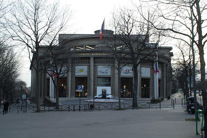 Photo du Monument Historique Palais d'Iéna, ancien Musée des Travaux Publics, actuel Conseil économique et social situé à Paris 16e Arrondissement