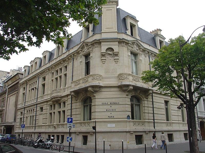 Photo du Monument Historique Ecole normale de musique Alfred Cortot situé à Paris 17e Arrondissement
