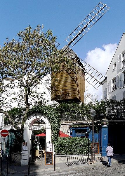 Photo du Monument Historique Moulin de la Galette situé à Paris 18e Arrondissement