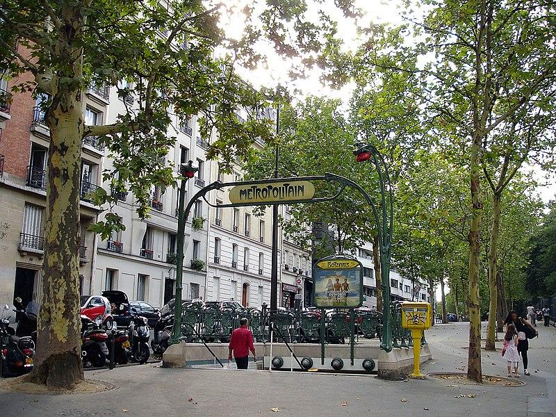 Photo du Monument Historique Métropolitain, station Botzaris situé à Paris 19e Arrondissement