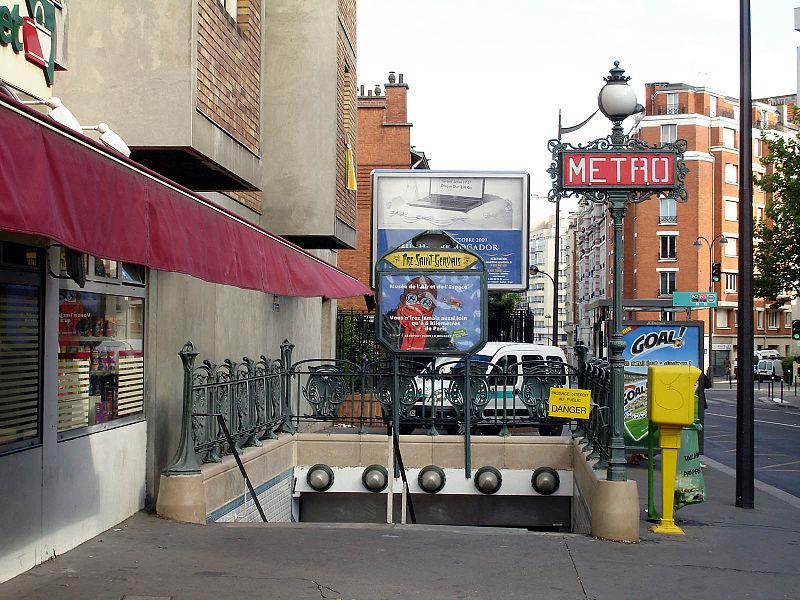 Photo du Monument Historique Métropolitain, station Pré-Saint-Gervais situé à Paris 19e Arrondissement