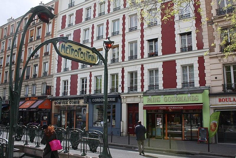 Photo du Monument Historique Métropolitain, station Alexandre-Dumas situé à Paris 20e Arrondissement