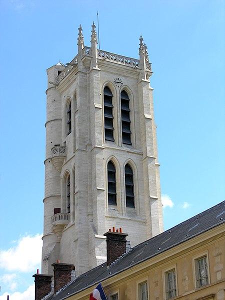 Photo du Monument Historique Ancienne abbaye Sainte-Geneviève, actuel lycée Henri IV situé à Paris 5e Arrondissement