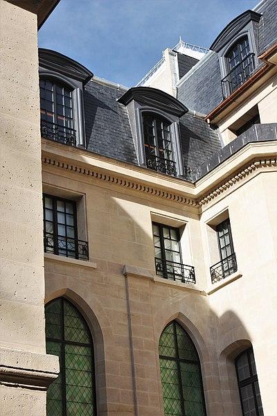Photo du Monument Historique Ancienne faculté de médecine, actuellement Maison des étudiants situé à Paris 5e Arrondissement