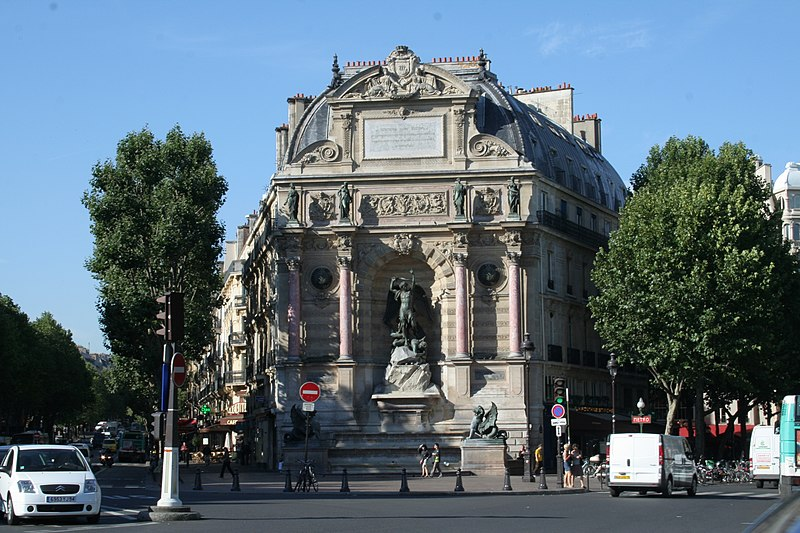 Photo du Monument Historique Fontaine Saint-Michel situé à Paris 6e Arrondissement