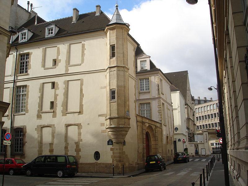 Photo du Monument Historique Hôtel de Foretz ou Bullion situé à Paris 6e Arrondissement