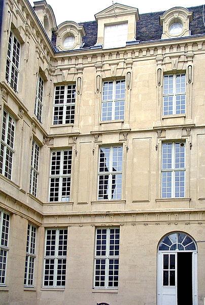 Photo du Monument Historique Immeuble, ancien Hôtel de Savoie ou d'Hercule situé à Paris 6e Arrondissement