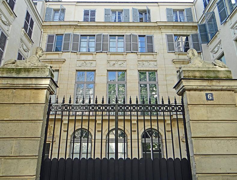 Photo du Monument Historique Hôtel de Luzy situé à Paris 6e Arrondissement