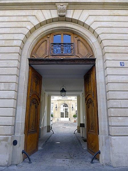 Photo du Monument Historique Hôtel de Rothembourg situé à Paris 6e Arrondissement