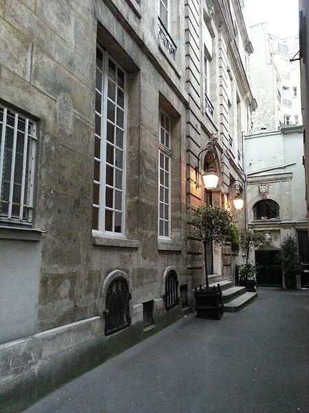 Photo du Monument Historique Hôtel de Turenne ou de Scarron situé à Paris 6e Arrondissement
