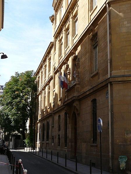 Photo du Monument Historique Lycée Fénelon situé à Paris 6e Arrondissement