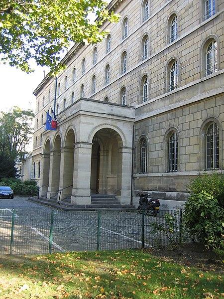 Photo du Monument Historique Séminaire  , actuellement annexe du ministère des finances situé à Paris 6e Arrondissement