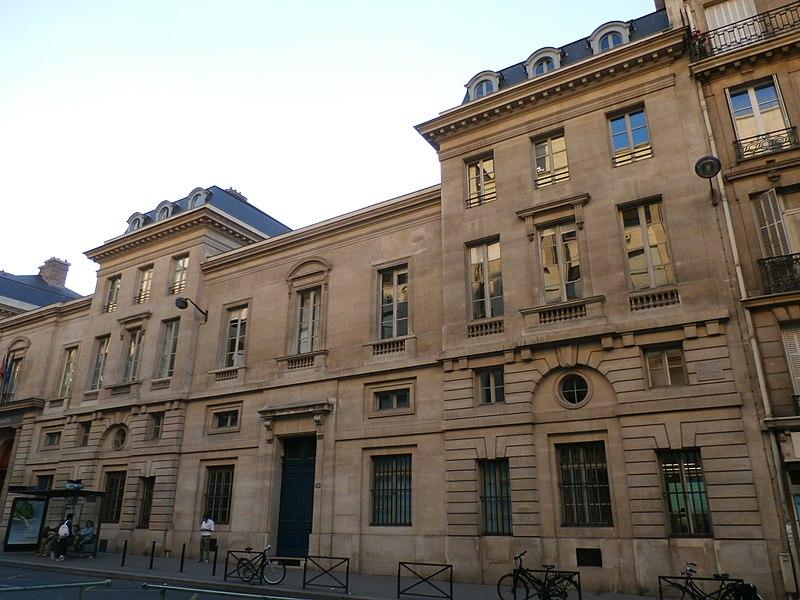 Photo du Monument Historique Ecole Nationale des Ponts et Chaussées (ancien Hôtel de Fleury) situé à Paris 7e Arrondissement