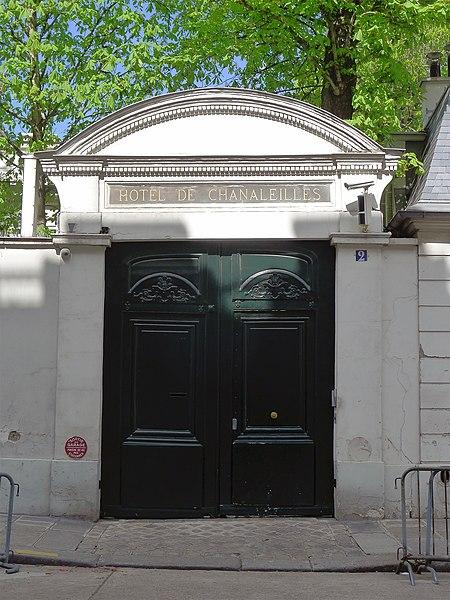 Photo du Monument Historique Hôtel de Chanaleilles situé à Paris 7e Arrondissement