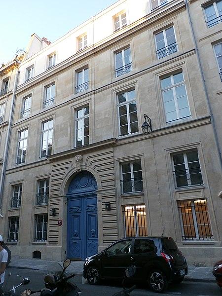Photo du Monument Historique Hôtel de Sénecterre  , dit aussi de la Ferté Saint-Nectaire, actuellement  école et ministère de l'artisanat et du commerce situé à Paris 7e Arrondissement