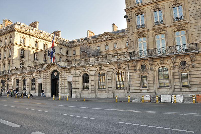 Photo du Monument Historique Immeuble de la Caisse des Dépôts et Consignations situé à Paris 7e Arrondissement