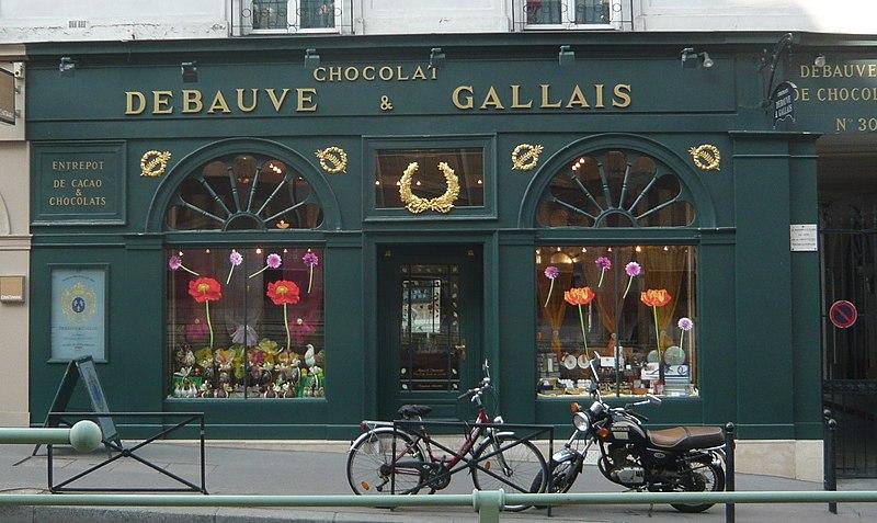 Photo du Monument Historique Magasin de Confiserie Debauve et Gallais situé à Paris 7e Arrondissement