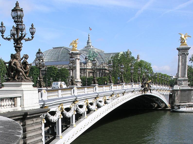 Photo du Monument Historique Pont Alexandre III situé à Paris 7e Arrondissement