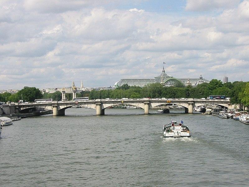 Photo du Monument Historique Pont de la Concorde situé à Paris 7e Arrondissement