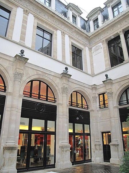 Photo du Monument Historique Ancien hôtel de Pourtalès situé à Paris 8e Arrondissement