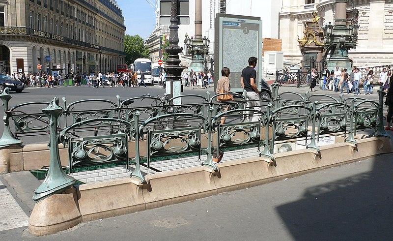 Photo du Monument Historique Métropolitain, station Opéra situé à Paris 9e Arrondissement