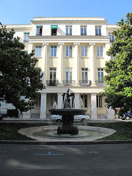 Photo du Monument Historique Square d'Orléans (ou Cité des Trois-Frères) situé à Paris 9e Arrondissement