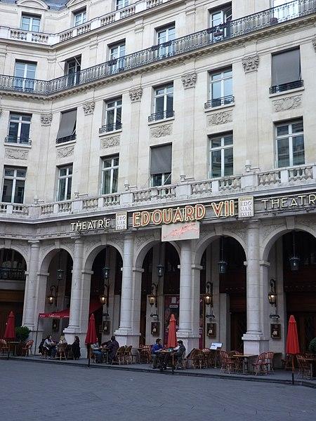 Photo du Monument Historique Théâtre Edouard VII et immeubles situé à Paris 9e Arrondissement