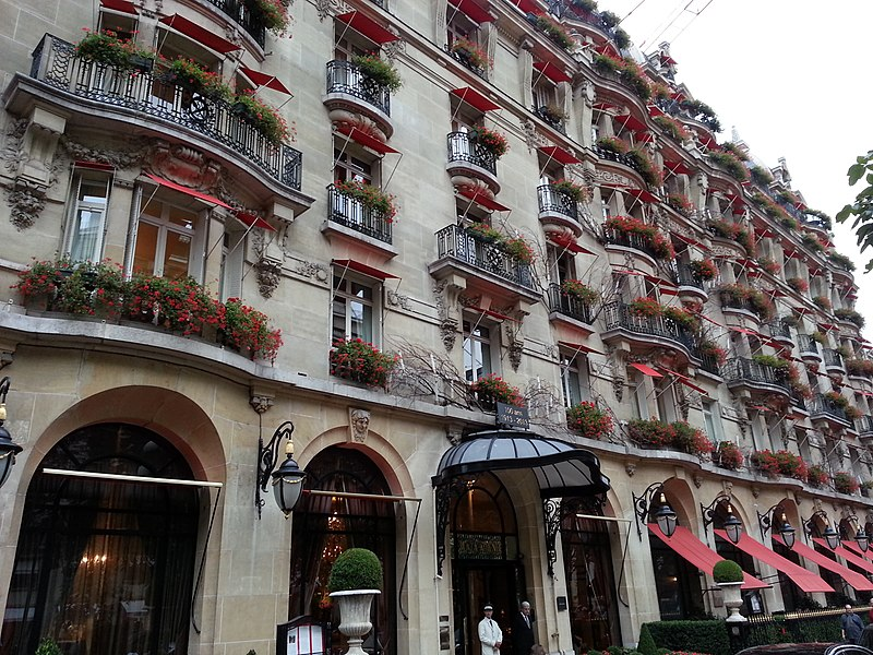 Photo du Monument Historique Hôtel Plaza-Athénée situé à Paris 8e Arrondissement