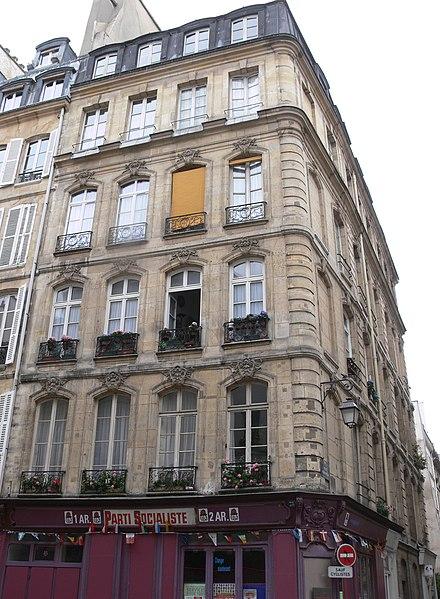 Photo du Monument Historique Immeuble en pierre de taille situé à Paris 2e Arrondissement