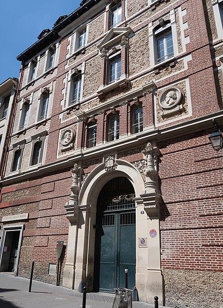 Photo du Monument Historique Collège Sainte-Barbe situé à Paris 5e Arrondissement