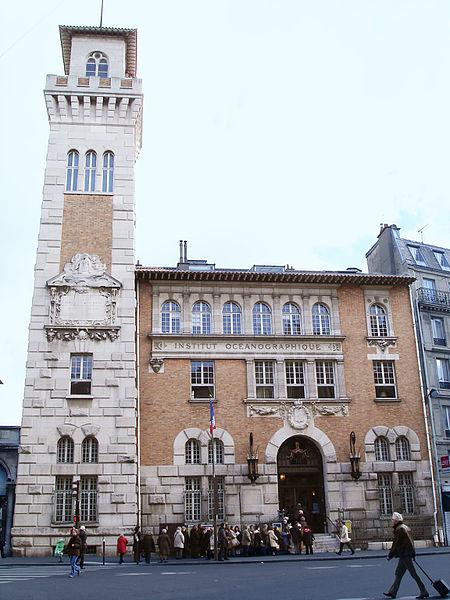 Photo du Monument Historique Institut océanographique situé à Paris 5e Arrondissement