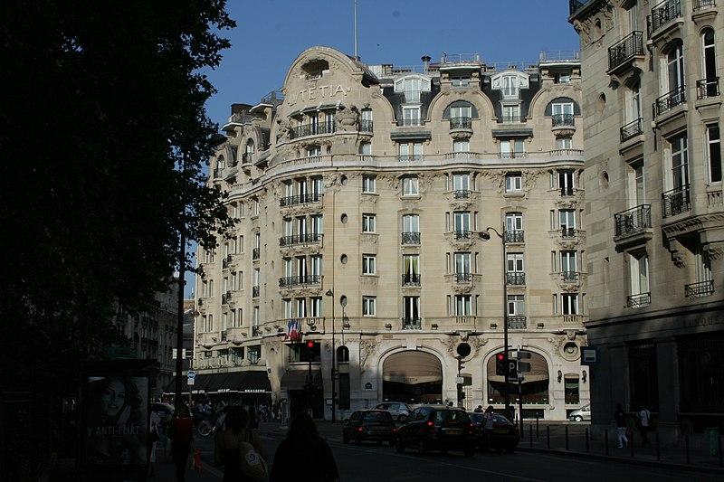 Photo du Monument Historique Hôtel Lutétia situé à Paris 6e Arrondissement