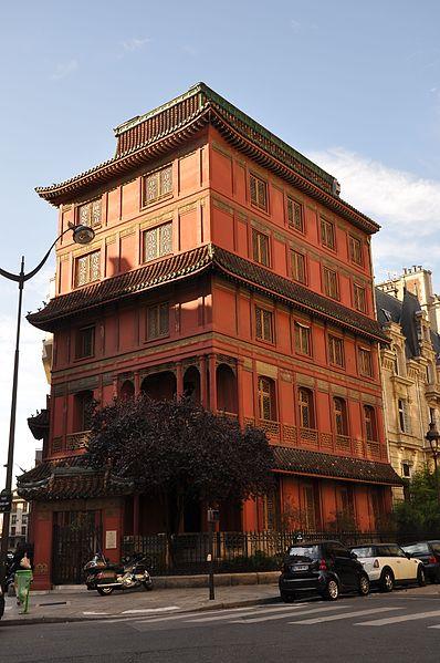 """Photo du Monument Historique Immeuble dit """"La Pagode Rouge"""" ou galerie CTLoo & Cie situé à Paris 8e Arrondissement"""