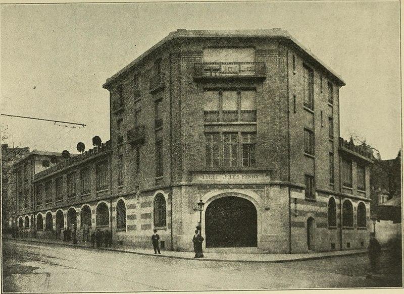 Photo du Monument Historique Lycée Jules Ferry situé à Paris 9e Arrondissement
