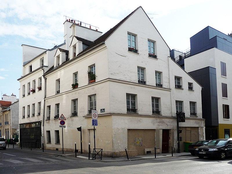 Photo du Monument Historique Maison d'angle situé à Paris 11e Arrondissement