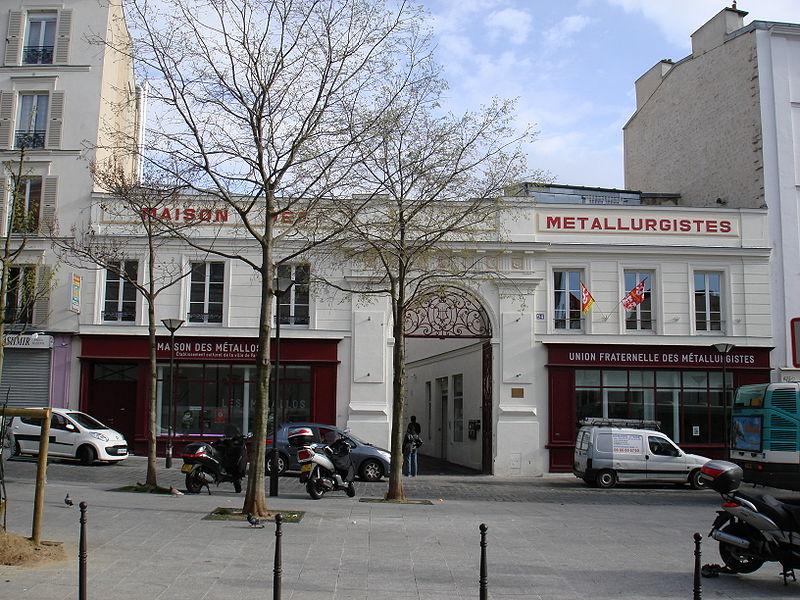 """Photo du Monument Historique Ancienne fabrique d'instruments de musique """" Gautrot-Couesnon """", actuellement immeuble de l'Union Fraternelle des Métallurgistes situé à Paris 11e Arrondissement"""