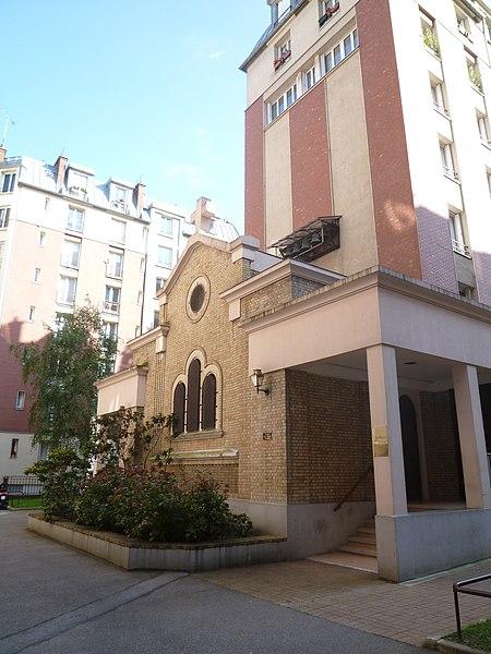 Photo du Monument Historique Cité du Souvenir, chapelle Saint-Yves situé à Paris 14e Arrondissement