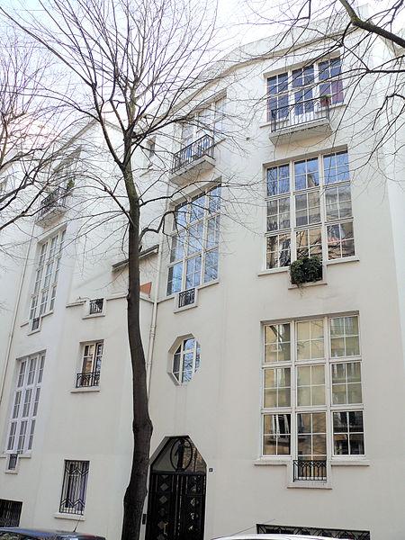 Photo du Monument Historique Immeuble d'habitations et d'ateliers d'artistes sis au 36, avenue Junot et 14-18 rue Simon-Dereure (Paris, XVIIIe arr.) situé à Paris 18e Arrondissement