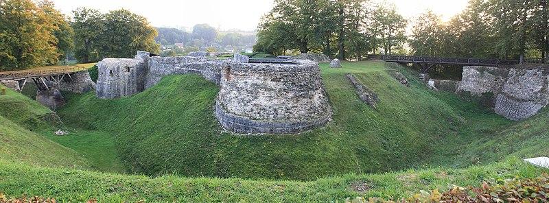 Photo du Monument Historique Vestiges du château situé à Blainville-Crevon